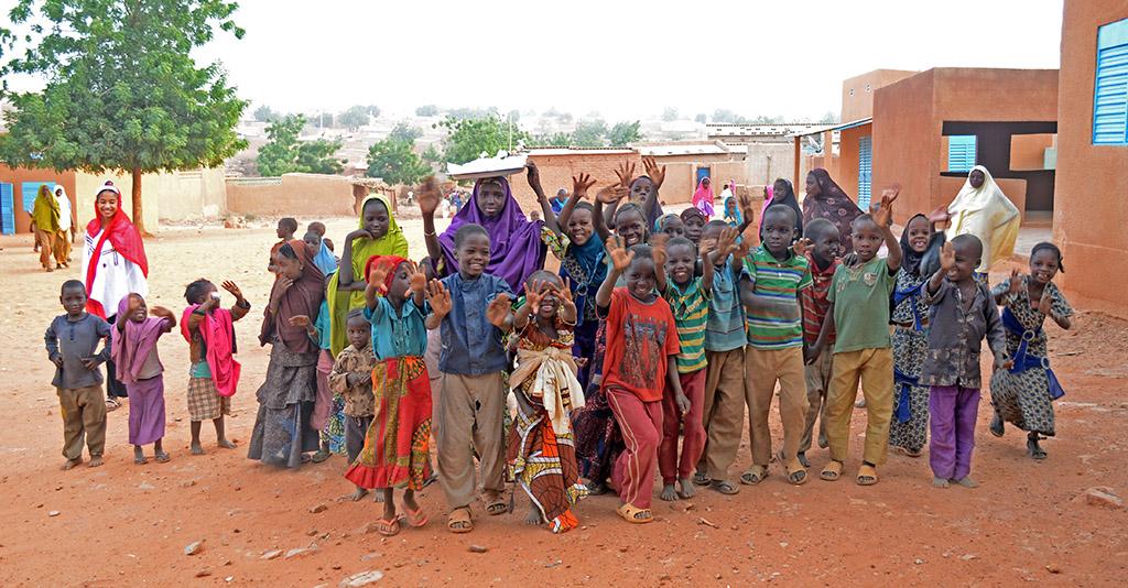 Diesen Kindern wollen wir mit Ihrer Hilfe eine Chance geben.